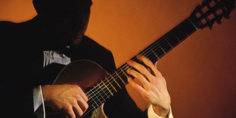 classical-guitarists